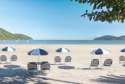 Praia da Enseada pronta para receber nossos hóspedes
