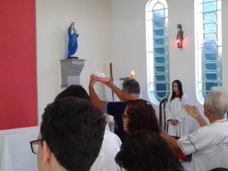 Fotos da celebração festiva de São José Operário e do café partilhado.
