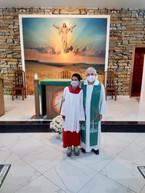 Comunidade Maria, Mãe do Bom Conselho tem mais um coroinha e novo Sacrário na Capela do Santíssimo.