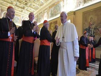 Papa Francisco incentiva a construir laços de fraternidade entre carismáticos e evangélicos