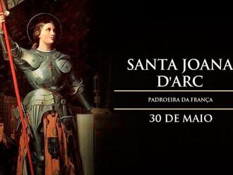 Hoje é celebrada Santa Joana D'Arc, heroína mártir que salvou a França