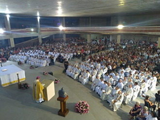 Mais de mil fiéis celebram os 98 anos da Arquidiocese de BH na Catedral Cristo Rei