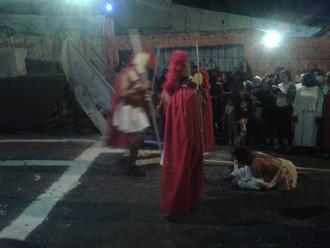 Você está convidado a participar da encenação da Via Sacra. Hoje tem ensaio.