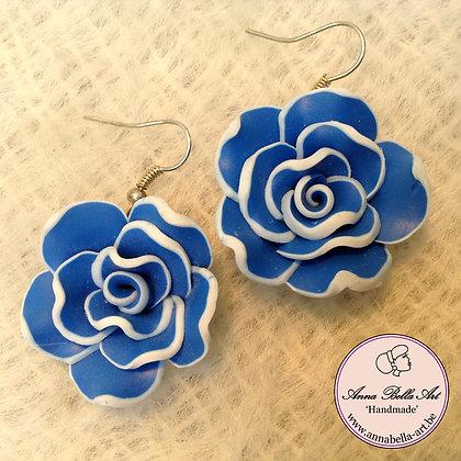 Anna Oorbel Fel Blauw-Wit Fimo-bloem Zilver