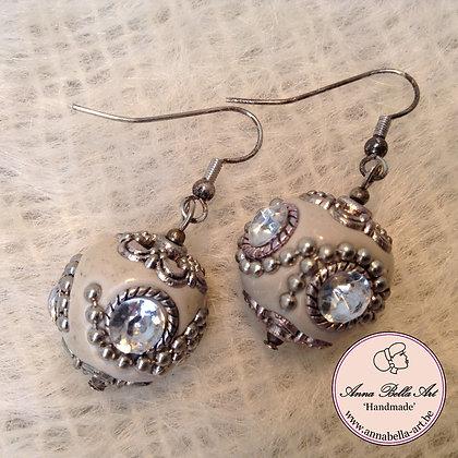 Anna Oorbel Gebroken Wit Indonesisch Kristalhelder Zilver