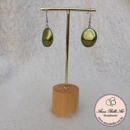 Anna Kei Oorbel parelmoer - olijfgroen-brons