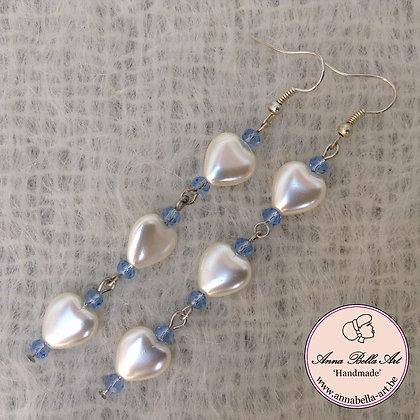 Anna Oorbel Wit Licht Blauw - parelmoer-kristalparel-zilver