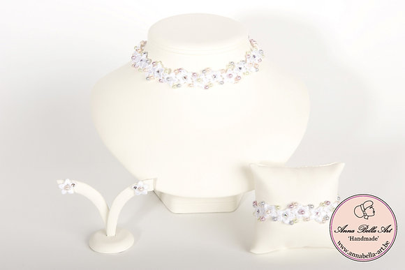 Armband Bella Anna - Witte bloemenkant-Swarovski-Pastel parelmoerparel