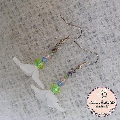 Anna Oorbel Witte bloem met pastel groen/blauw/roze/paars - kristalparel-zilver