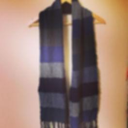 ちょっと前に織った手織りのウールマフラー✨_ウール90%  綿10%_冬仕様メン
