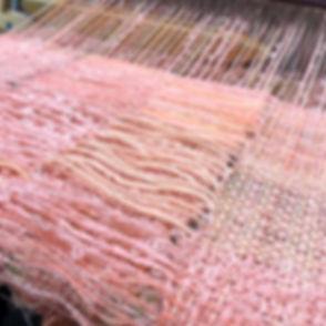フラミンゴピンク色で織り始めました♡ _weaving by wool,cott