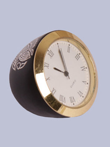 Table Clock-Cum-Paper Weight