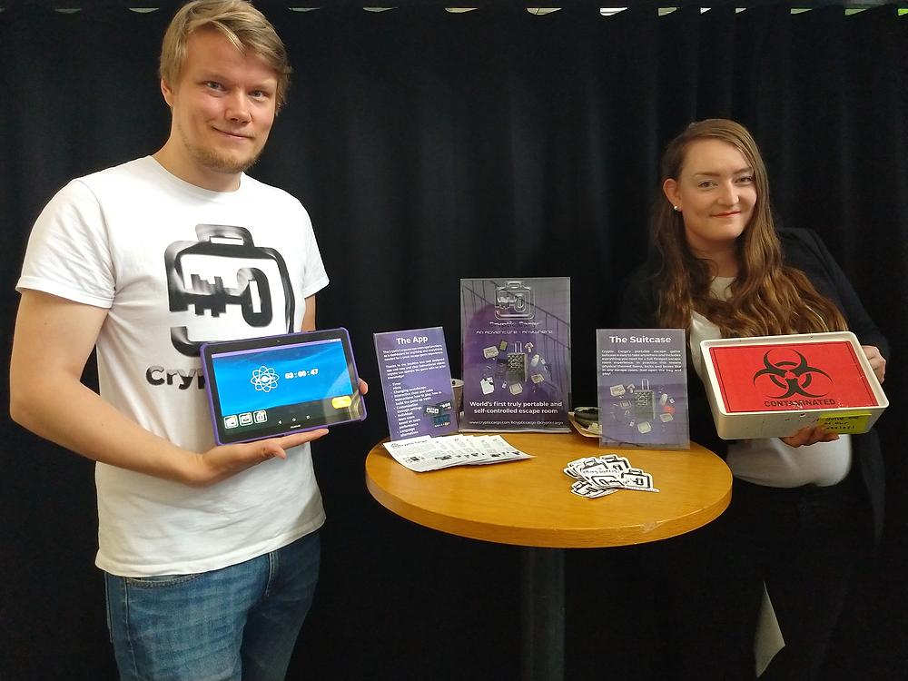 Cryptic Cargon tiimi: Laura Aaltonen (CEO ja Co-founder) ja Max Sandberg (CTO ja Co-founder).