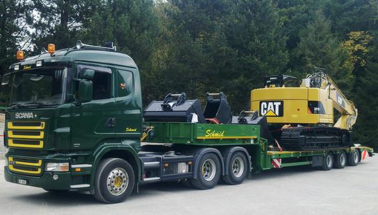 Baumaschinen transportieren