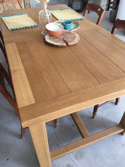 Mesa jantar em carvalho
