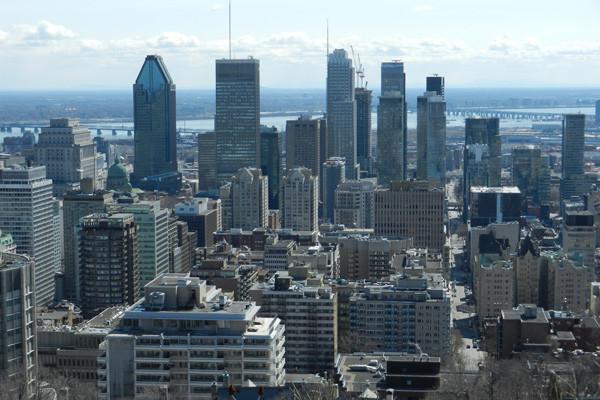 Vue du centre ville de Montréal depuis le belvédère Kondiaronk, photo Genevieve Arseneault