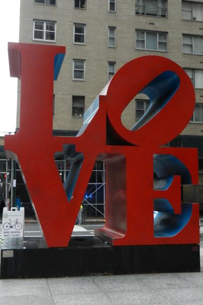 Sculpture Love de Robert Indiana