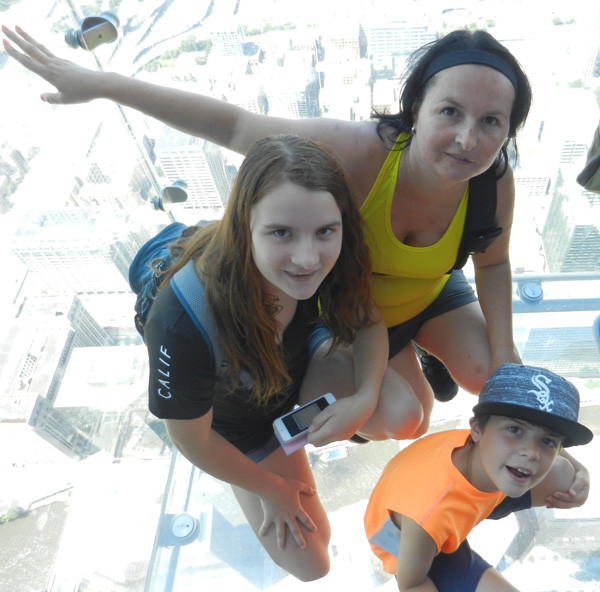 Sur les balcons de verre de la Willis Tower