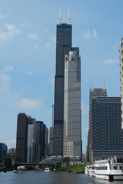 Willis Tower (le plus haut avec 2 antennes)
