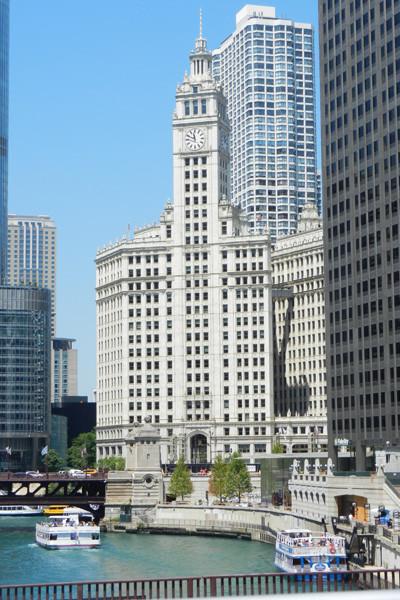 vue sur Chicago River & Wriggley building depuis l'autobus