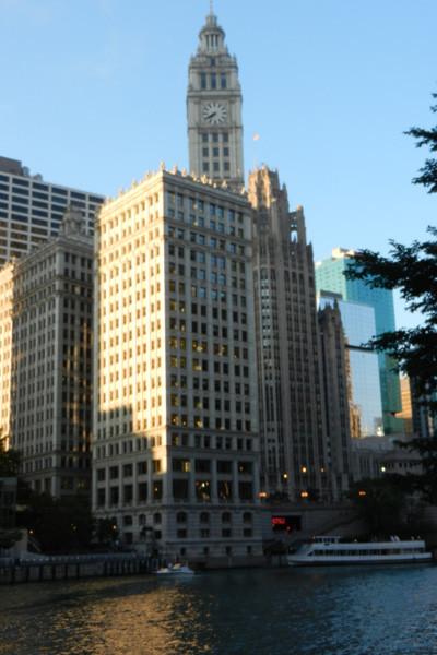 Wrigley building depuis la Chicago Riverwalk, photo Genevieve Arseneault