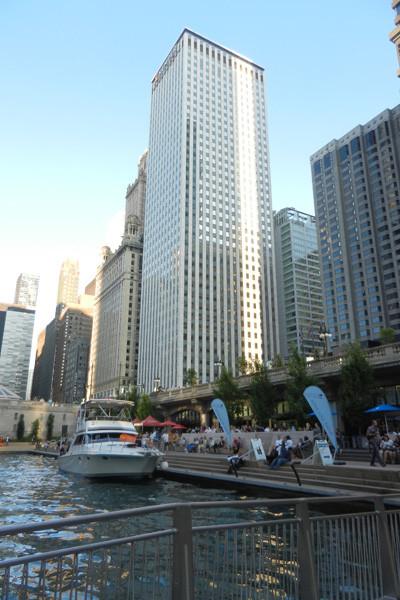 Riverwalk Chicago River, photo Genevieve Arseneault