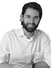 Dr. Lucas Medeiros