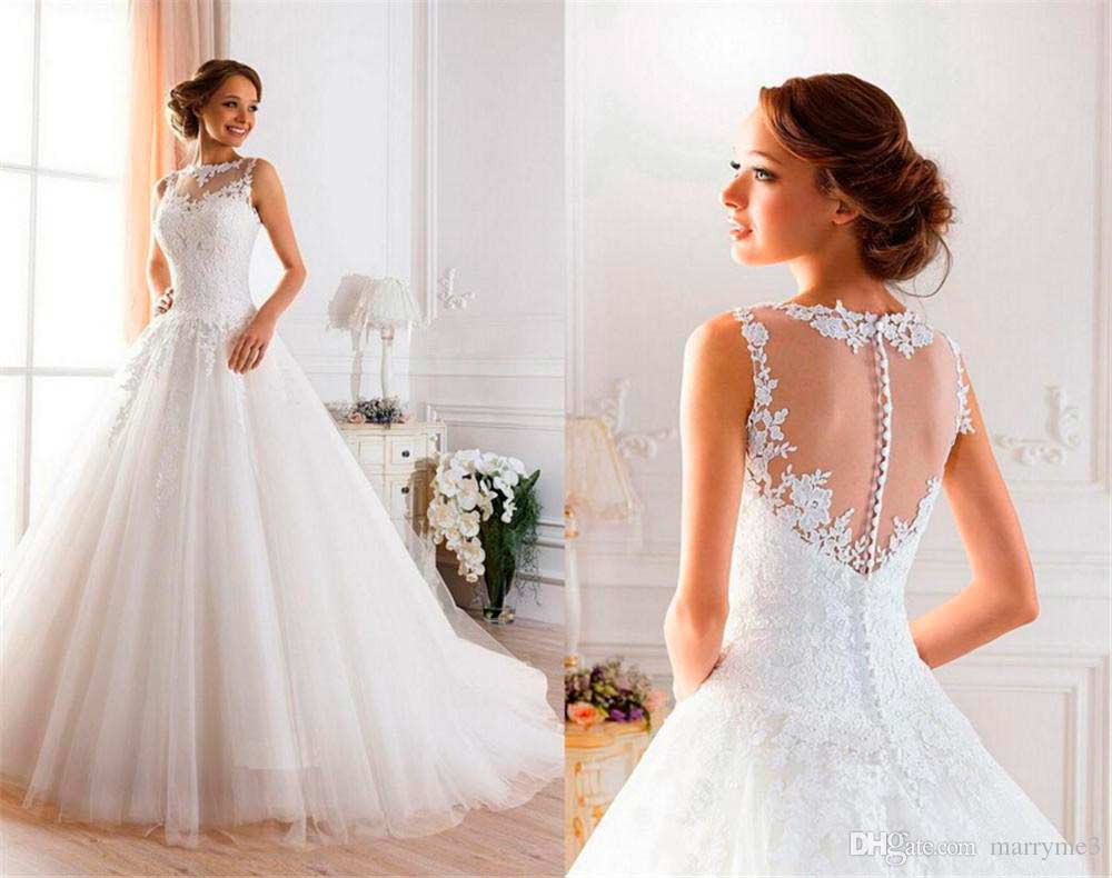 novia-probandose-vestidos-de-boda
