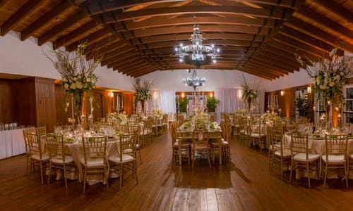 banquet-hall-for-golden-wedding