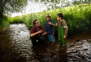 Moi, adulte dans les bois avec les enfants - la posture de l'adulte en PPN