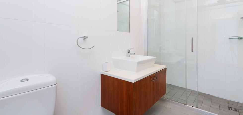 Bathroom-4002.jpg