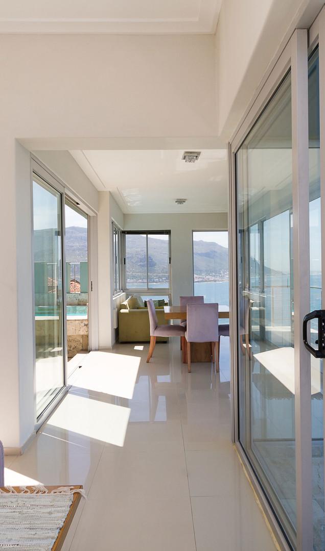 balcony-Flow002.jpg