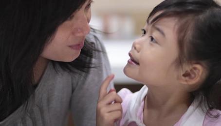 Aider son enfant à raconter sa journée