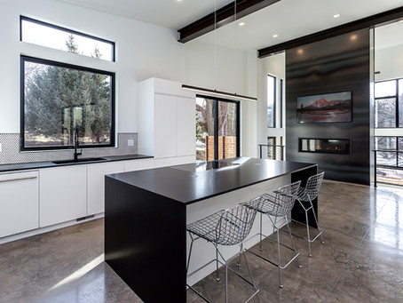 Custom Modern-Industrial Flare Home – Gray's Lake area of Des Moines, Iowa