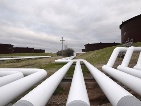 Oil falls for the second session due to the unexpected rebound in US inventories.