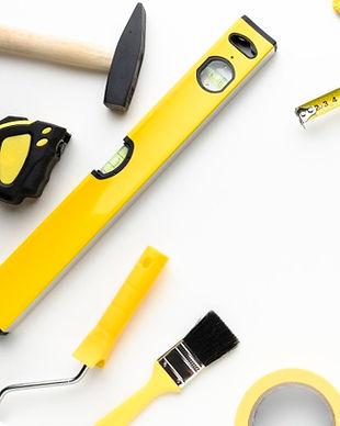 marco-herramientas-amarillo-espacio-copi
