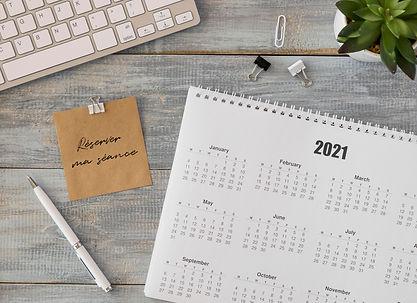 top-view-desk-calendar-with-succulent-pl