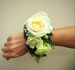 Wrist corsarge