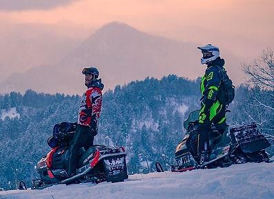 мужчины на снегоходах 2.jpg
