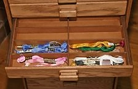 Skeins stored in drawer patitions