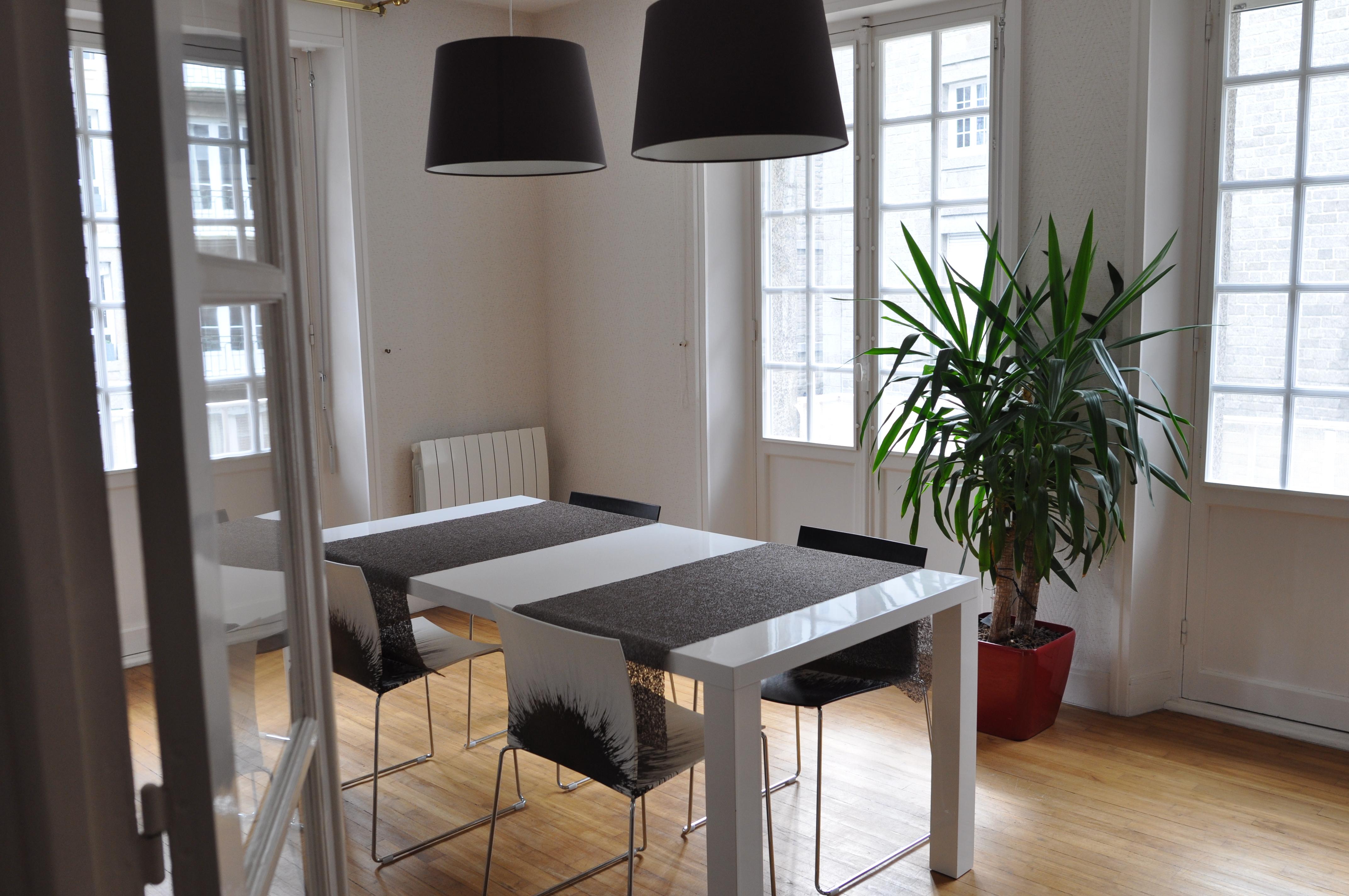 location appartement saint malo intra muros. Black Bedroom Furniture Sets. Home Design Ideas