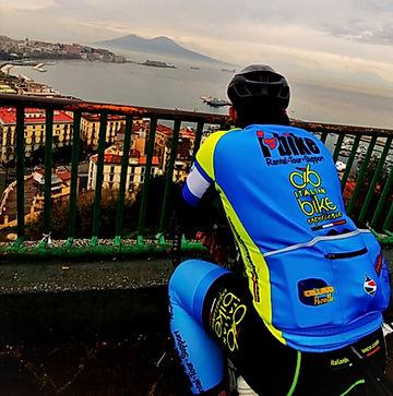 Rampe Sant'Antonio of Posillipo Ammirando il Vesuvio, with irentbike.com