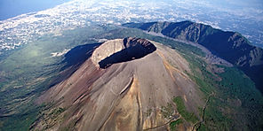 Vesuvius from above on bike tour with irentbike.com