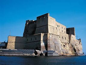 Bike tours panoramic Naples, visit Virgiliano Park, castle dell'Ovo, by irentbike.com