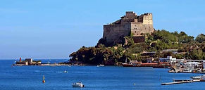 Castello Aragonese of Baia in guided visit with irentbike.com