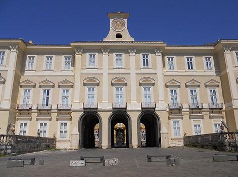 Reggia di Portici e scalata del Vesuvio, con irentbike.it