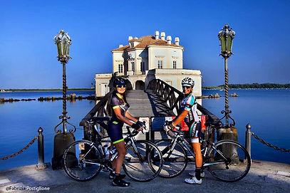 Casina_Vanvitelliana_bike_tour_Campi_Flegrei_irentbike.it