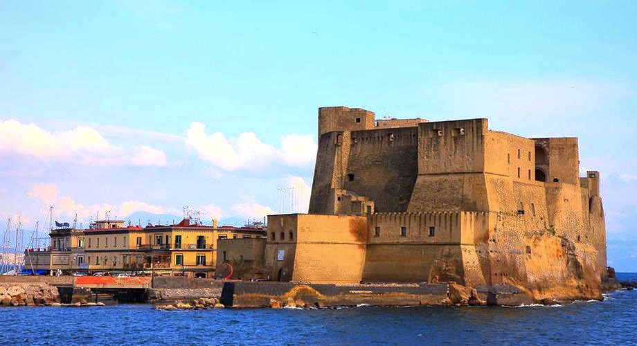 Bike tour al Castel dell'Ovo