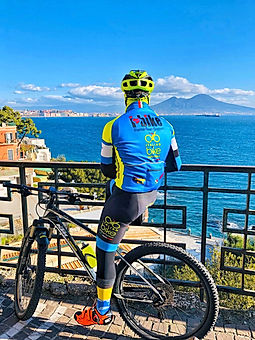 Bike tours, La scalata del Vesuvio , by irentbike.com