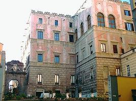 Visita del Palazzo Cellamare, Castel dell'Ovo, Maschio Angioino, San gregorio Armeno by irentbike.it